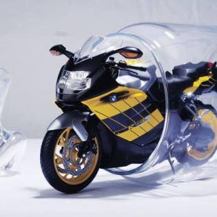 Масла и жидкости на зиму сливать не следует, исключение составляет недостаточно плотный (сильно разбавленный водой) антифриз, если мотоцикл зимует вне помещения.